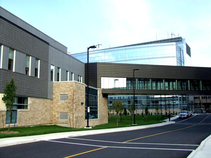 Hamilton Health Sciences Regional Rehabilitation Centre Pedestrian Bridge